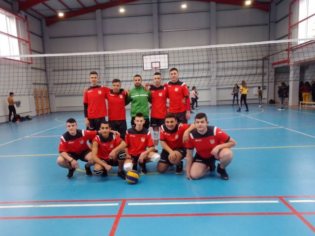 Победители в областен кръг по волейбол